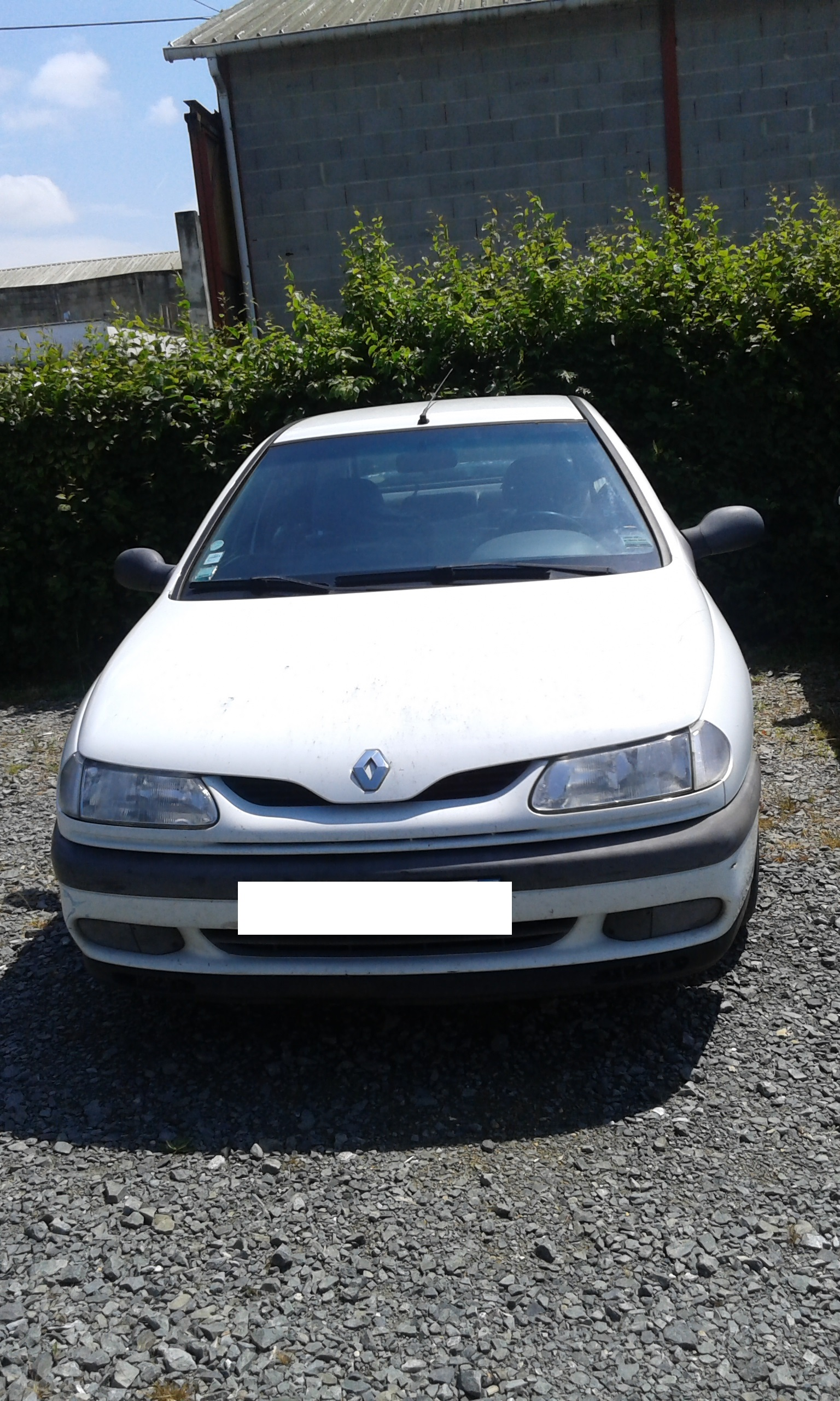 Renault Laguna Essence